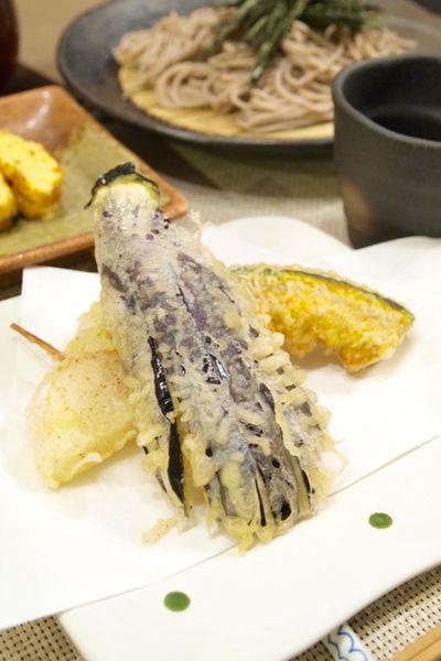 和食】涼味!「野菜天ぷらとお蕎麦」&ふわふわだし巻き卵で蕎麦御膳の ...