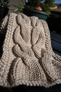 bulky yarn cable scarf