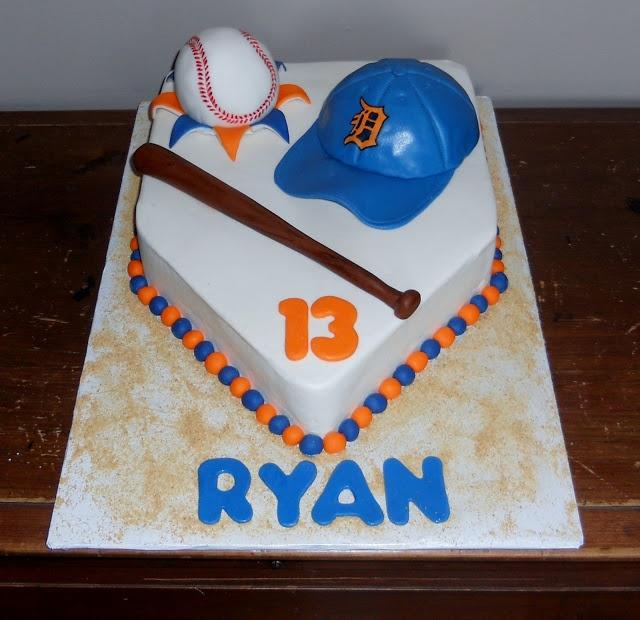 Pamela's Creative Cakes: Tiger Baseball Cake