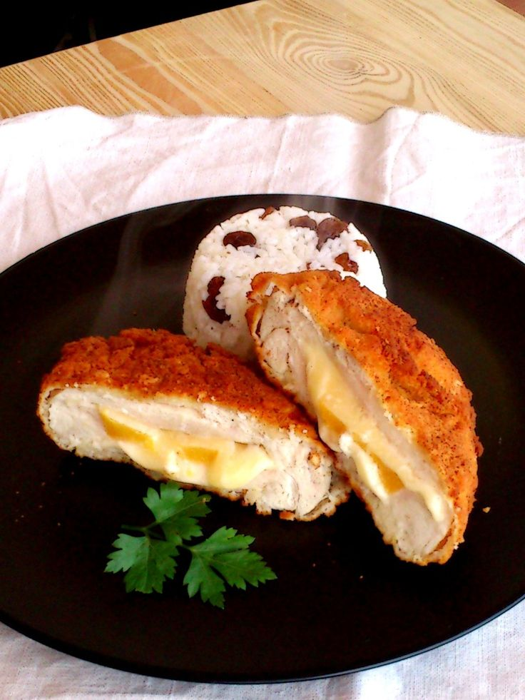 Rántott csirkemell sajttal és barackkal töltve - Chicken breast stuffed with cheese and peach, fried in breadcrumbs