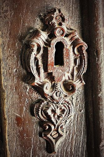Keyhole of an old mansion door - Hungary <3