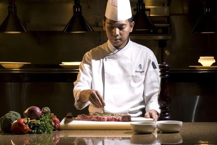 Chef Emir preparing the steak
