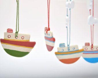 Clay Collana, collana di barca, estate collana, gioielli colorati, dipinta a mano gioielli, collana di nave, regalo della collana per artista, arte greca