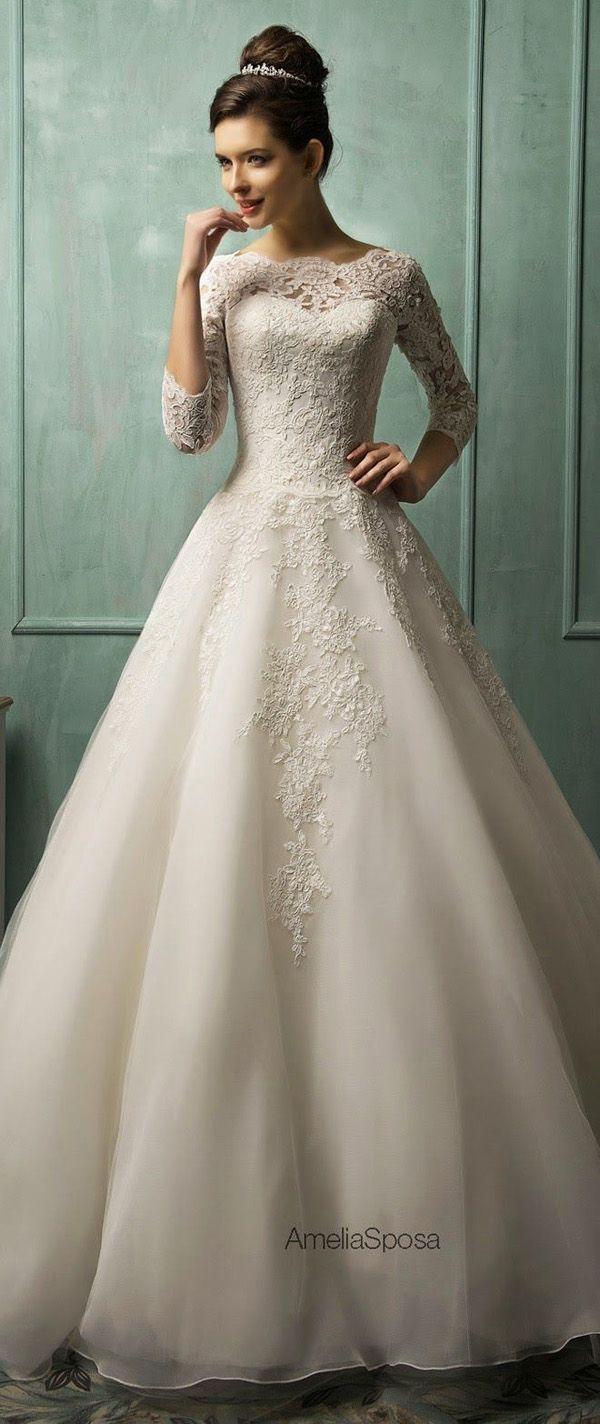 ♥♥♥ 20 vestidos de noiva para se apaixonar em 2016 As opções de vestidos de noiva são muitas, cada moça escolhe seu vestido de acordo com a sua personalidade e seu desejo de ser mais ou menos tradi... http://www.casareumbarato.com.br/20-vestidos-de-noiva-para-se-apaixonar-em-2016/