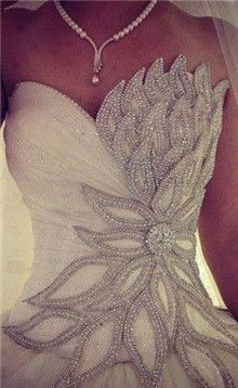 Such a beautiful gown, I love it!