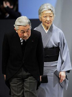 theroyalwatcher:  Emperor Akihito and Empress Michiko payed their respects on the third anniversary of the 2011 Japanese earthquake and tsunami, March 22, 2014