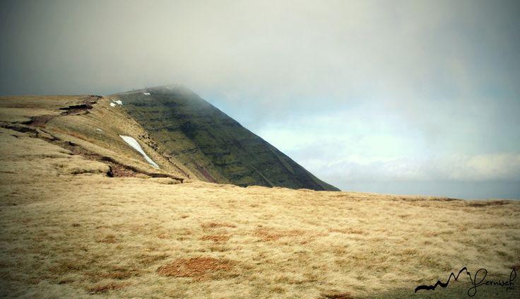 Brecon Beacons NP, UK Three peaks trail hike