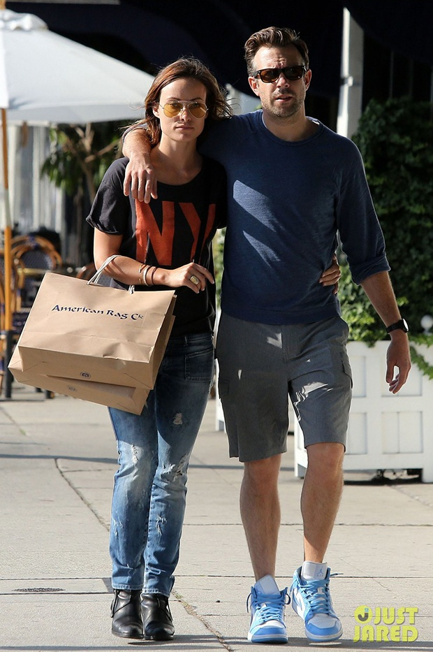 Jason Sudeikis Wearing Jordan I Mid Unc Celebrity