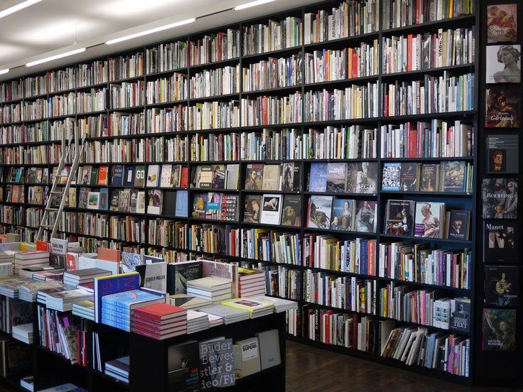 Buchhandlung Walther König, Köln Germany.