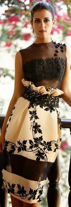Wow! Fabolous dress, very stylish