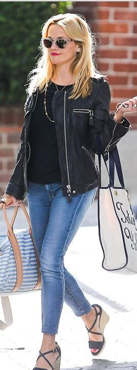 Reese Witherspoon: Shirt and bag – Draper James  sunglasses – Westward Leaning  Jeans – Isabel Marant  Jeans – Koral