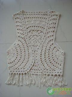 Imagem de http://vmulher5.vila.to/interacao/8404440/colete-em-croche-com-pap-296586-1.jpg.