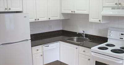 855 Jervis Street - Apartments for Rent in Vancouver on http://www.rentseeker.ca - Managed by Hollyburn Properties