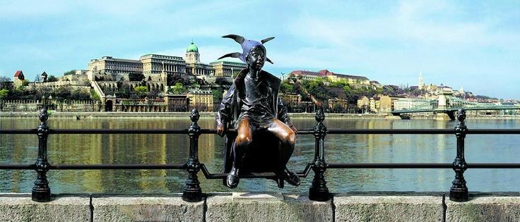 The Little Princess Statue at Vigadó Tér. credit: BTH view on FB https://www.facebook.com/BudapestPocketGuide #Budapest