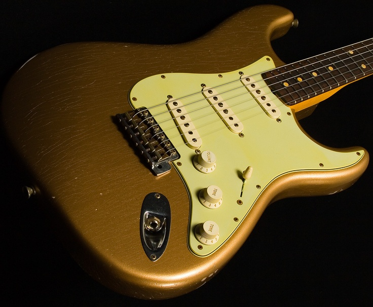 Custom Strat, Firemist Gold, mint pickguard