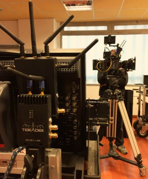 "ARRI Amira Premium , set Cooke s4i, Teradeck Bolt 600, Tv-Logic 17"" | Camaleón Rental"
