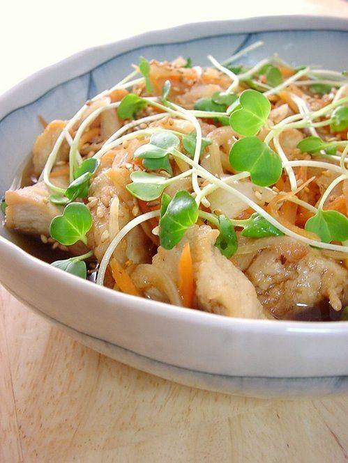 胃袋を癒す和食の魔法♡簡単にできる和食レシピ - Locari(ロカリ) さっぱりした口当たりがおいしい南蛮漬け。レシピでは鶏胸肉を使って