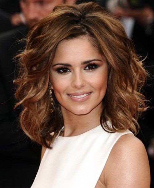 Messy Medium Hairstyles Brunette 2017 With Big And Bouncy