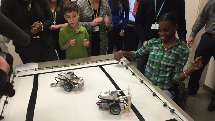 Robotics courses offer kids with disabilities a new way to learn - Toronto - CBC News