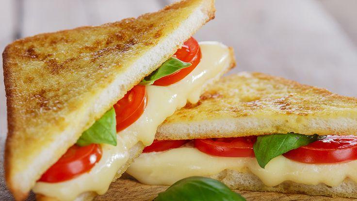 Sağlıklı ve Lezzetli Tost Tarifleri  Tost, hem çocuklar hem de yetişkinler tarafından sıklıkla tüketilen bir yiyecek. Çoğu kişi sabah kalvaltısında tost yemeyi tercih ederken, diğer öğünlerde de tost yiyenlerin sayısı oldukça fazla.