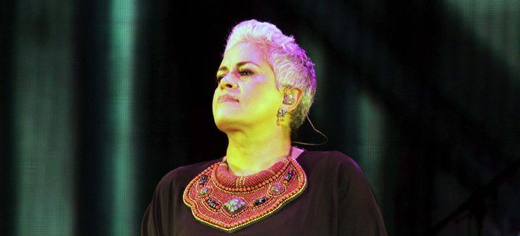 De nosotros depende refundar el México distinto que soñamos: Eugenia León (Poema y video) - Ultimas Noticias
