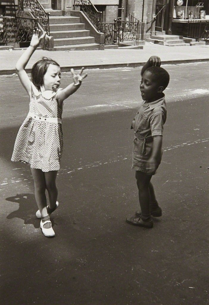 HELEN LEVITT, New York (two children dancing)