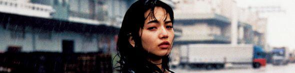 今最も注目されている若手演技派女優・小松菜奈と 唯一無二の個性で圧倒的な存在感を誇る俳優・村上虹郎。 もともと友人だったけれど、雑誌での共演は今回が初めて。 撮影当日。残念ながらあいにくの天気。 「雨に濡れても平気?」とスタッフが聞くと、二つ返事で「全然いいよ!」。 ずぶ濡れになりながら、偶然が生んだ最高のシチュエーションで、 次世代を代表する2人が危うい関係を演じてくれた。 スクリーンのなか以上に、現実はドラマチックだ。 ◇虹郎 シャツ¥32000/アダム エ ロぺ(ギットマン ヴィンテージ) ◇菜奈 ブラウス¥105000/イザ(ヌメロ ヴェントゥーノ)   デニムの濃淡のレイヤードで魅せた春の装い 今季のトレンドでもある切りっぱなしのすそと、ブリーチ具合の違う、濃淡のあるデニム地がうまくマッチ。 デニムジャケット¥98000/ブランドニュース(シー ニューヨーク)  中に着たデ...