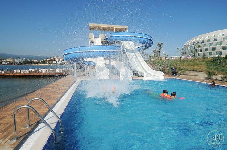 Kaydıraklı havuzlar tatilde eğlence kaynağı. Bu eğlenceye katılmak için haydi Sentido'ya.