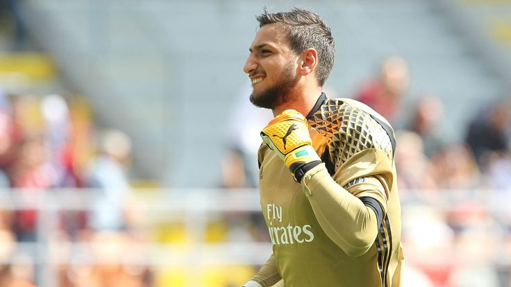 Abbiati urges Donnarumma to stay amid talk of new AC Milan deal
