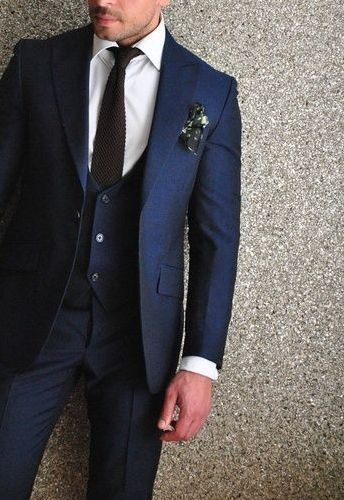 Tailor Made Navy Blue Groom Tuxedos 3 Pieces Slim Fit Mens Wedding Prom Suits Best Man Groomsman Suit blazer masculino 2016 #menweddingsuits #menssuitsnavy #menssuitswedding