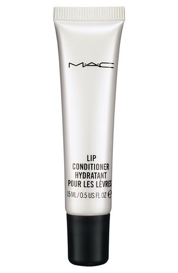 This vanilla scented and flavored lip conditioner hydrates and nourishes lips all day.