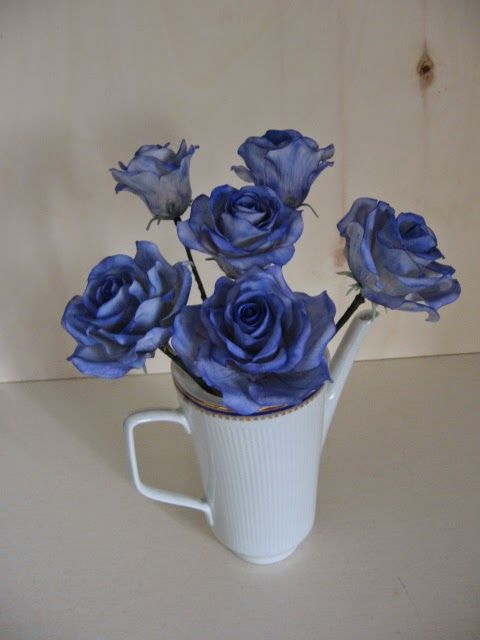deliCiouSly: Rose blu