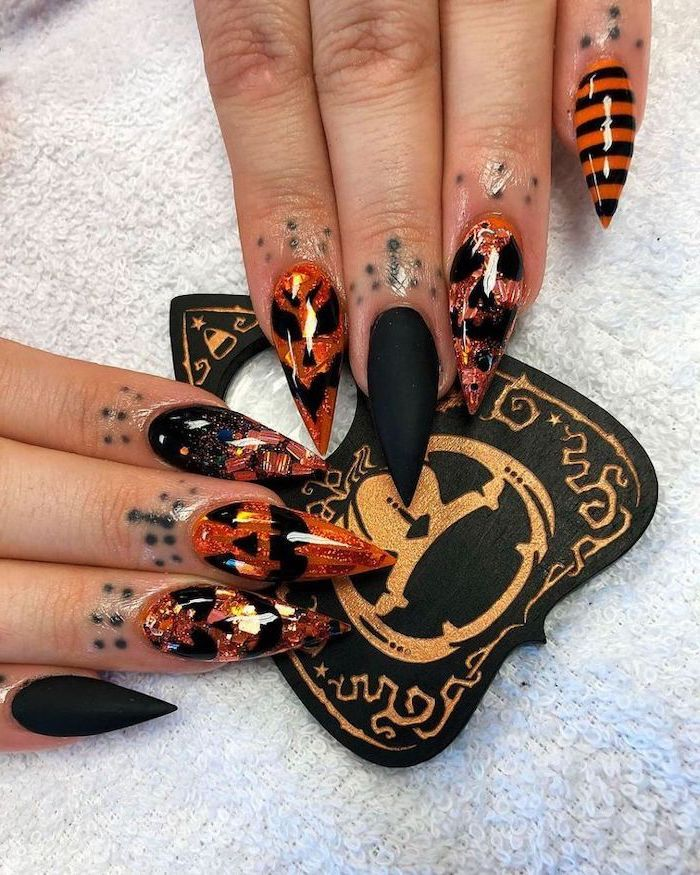 Black Matte Nail Polish Orange Ombre Nails With Glitter Black Pumpkin Decorations In 2020 Halloween Acrylic Nails Halloween Nail Designs Black Halloween Nails