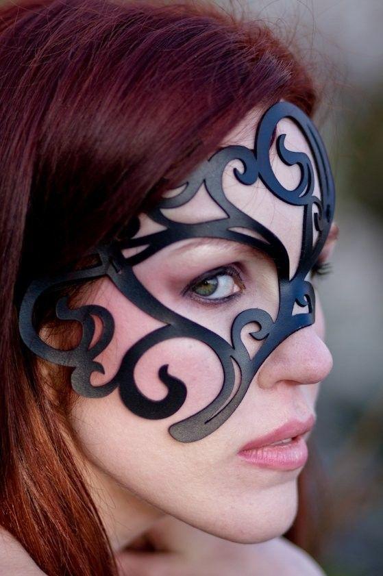 Operetta masked girl at casino casino casino classic flash