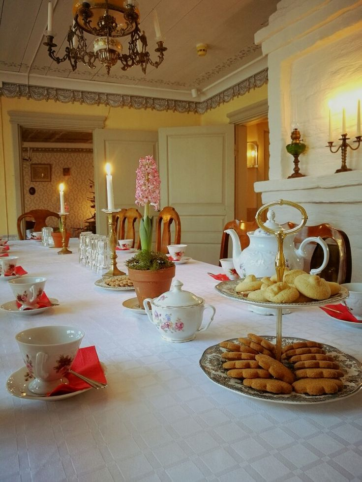 Be our guest!We're serving coffee and tea if you want to enter a victorian Christmas atmosphere! #ektamuseum #ekenäs #tammisaari #raseborg