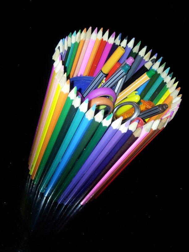 Blik beplakt met potloden