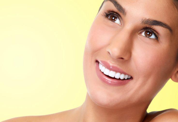 Cara Alami Membuat Gigi Tampak Lebih Putih