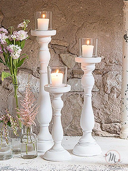 Set 3 candelabri shabby chic. Perfetti per decorare i vostri tavoli e la location delle nozze.  Il prezzo è riferito a 3 pezzi. Misure: h 27, h 37, h 47 cm. Candela non inclusa. Materiale: resina e vetro  #matrimonio #wedding #candelabri #candela #vetro #resina #decorazione #party #ceremony #nozze #allestimenti #accessori #location