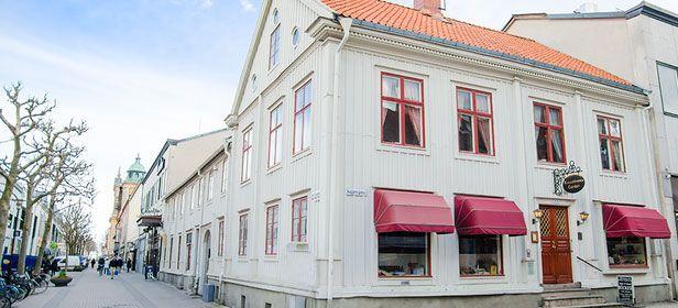 Kvalitetsglass med egengjorda våfflor i Kalmar