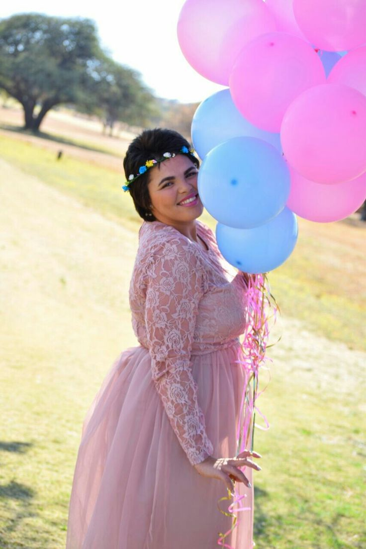 25th Birthday Photoshoot Blue and Pink Balloons  Tulle and lace dress #PlusSize  #celestedqstarr Photo by PhotoJeni'Q