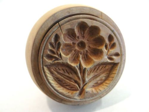 1.75in across x 2in tall. ANTIQUE PRIMITIVE BUTTER MOLD TINY DETAILED FLOWER DEEP TREEN WOODEN STAMP PRESS