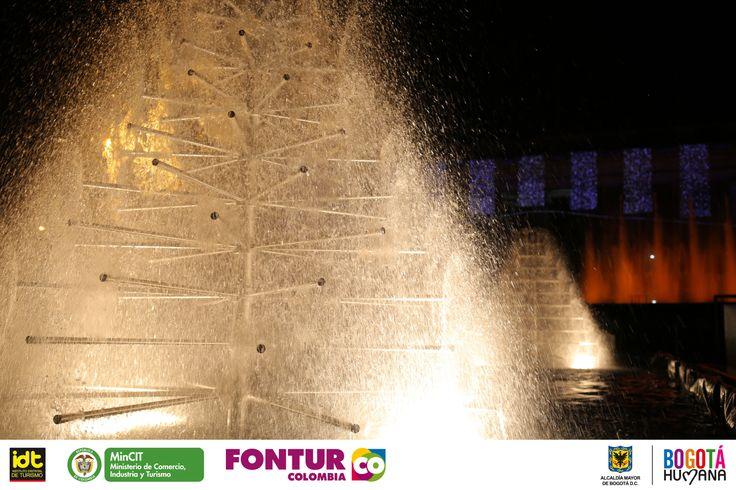 La puesta en escena que Aquatique Show, junto a la Orquesta Filarmónica de Bogotá y todo el montaje en la Plaza de Bolívar, los parques Timiza y de los Novios, promete robar miles de sonrisas a todos los asistentes a los espectáculos que tendrán todos los días a partir de las 6 de la tarde.