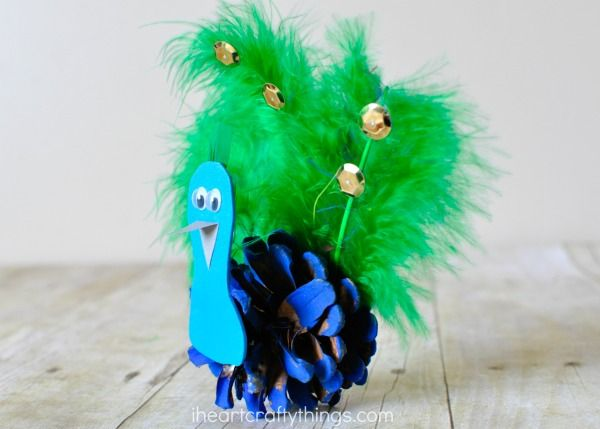 This pinecone peacock craft is great for any time of the year, especially after learning about birds or visiting your local zoo or aviary.