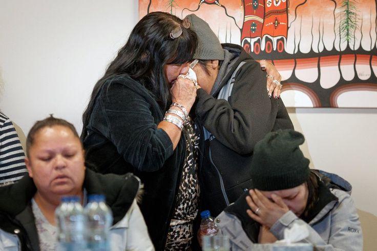 Elles avaient peur, mais elles ont visiblement rassemblé beaucoup de courage, jeudi, ces 12 femmes autochtones qui se sont présentées au Centre d'amitié autochtone de Val-d'Or (CAAVD) pour confirmer ce que des policiers leur ont annoncé, plus tôt cette semaine. Elles sont 12, mais aucune de leurs plaintes concernant les agressions de policiers qu'elles disent avoir subies n'a été retenue par le Directeur des poursuites criminelles et pénales (DPCP).