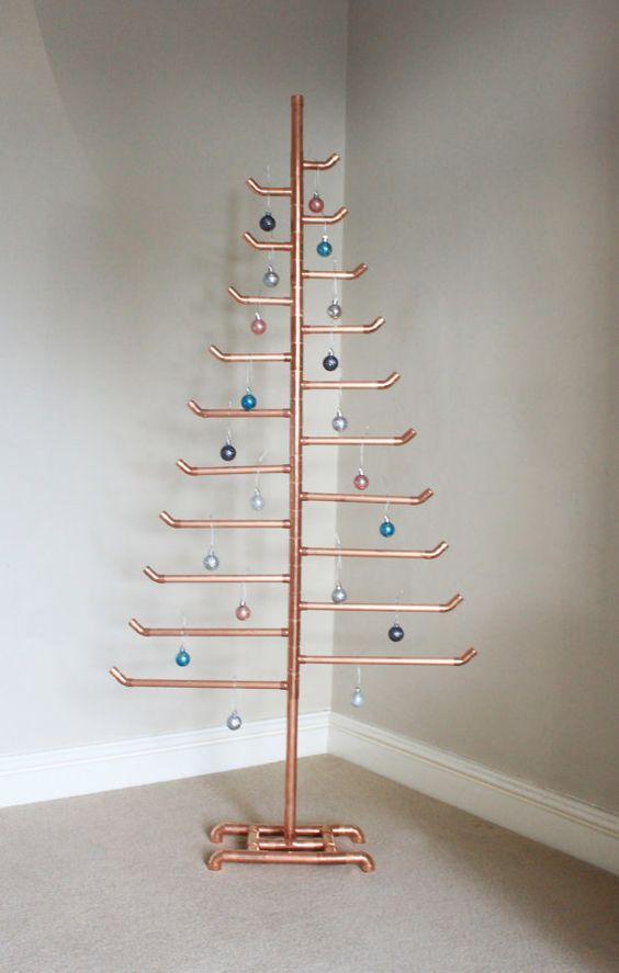 21 Whimsical Industrial Christmas Décor Ideas