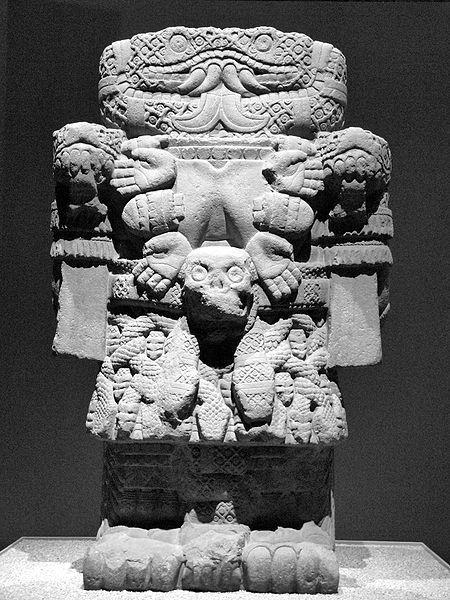 Cōātlicuē es una divinidad mexica, madre de Huitzilopochtli.  Era representada como una mujer usando una falda de serpientes y un collar de corazones que fueron arrancados de las víctimas de los sacrificios. Tenía garras afiladas en las manos y los pies. Coatlicue era una diosa madre para los mexicas.  Diosa de la tierra y la fertilidad.