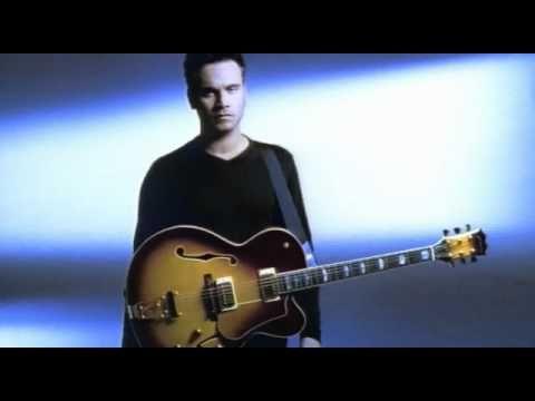 Nek - Laura non c'è (Video Clip)