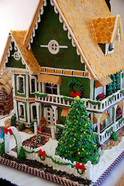 Christmas-food ideas-Gingerbread house #gingerbread  #holiday #treats #udderlysmooth
