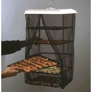 This is a great design for a simple food dryer that doesn't require electricity like those plastic dehydrators.