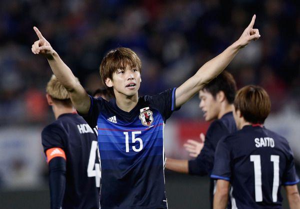 サッカー日本代表・槙野智章、大迫勇也と練習後にパシャリ…「2ショット半端ねぇー!」の反響